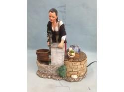 Donna alla fonte - Presepio Pigini