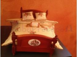 Letto in legno con materasso e cuscini - Casa Bambole
