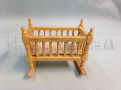 Culla a dondolo in legno chiaro - Casa Bambole