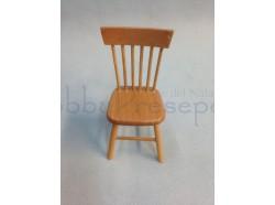 Sedia in legno chiaro verniciato. Scala 1:12