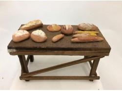 Tavola con pane in terracotta  - CM 10 Melù