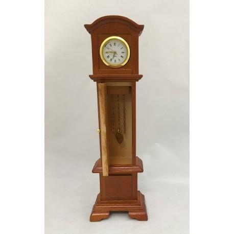 Orologio a pendolo a colonna in legno verniciato